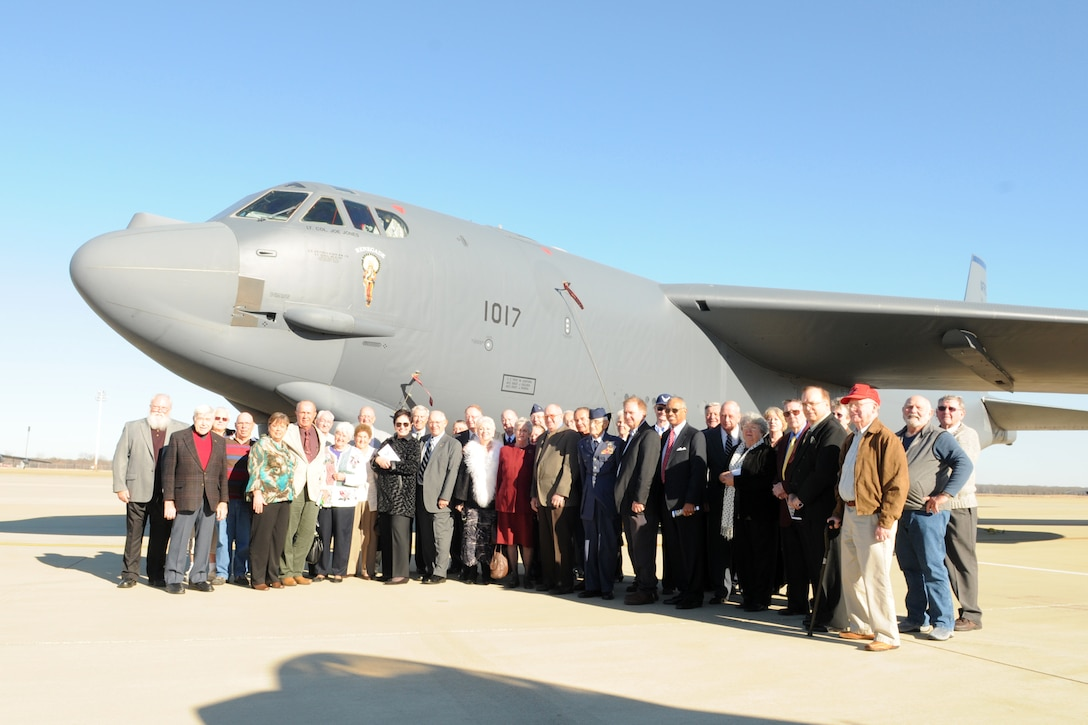 A group of 307th Bomb Wing alumni and family members pose for a photo in front of a B-52 Stratofortress after reactivation ceremonies for the 307th BW at Barksdale Air Force Base, La., Jan. 8, 2011. During the same ceremonies, the 917th Operations Group was re-designated as the 917th Fighter Group and the 917th Wing was deactivated. The group included veterans from World War II, Korea, Vietnam and the Cold War era. (U.S. Air Force photo/Master Sgt. Greg Steele)