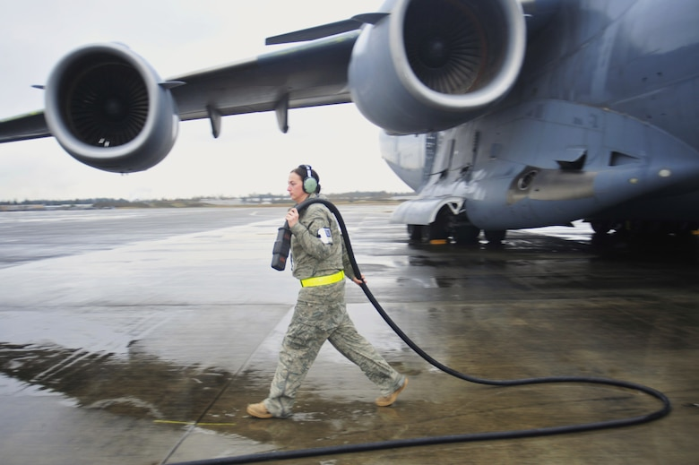 Mcchord Crew Chiefs Get The Job Done Us Air Force Article