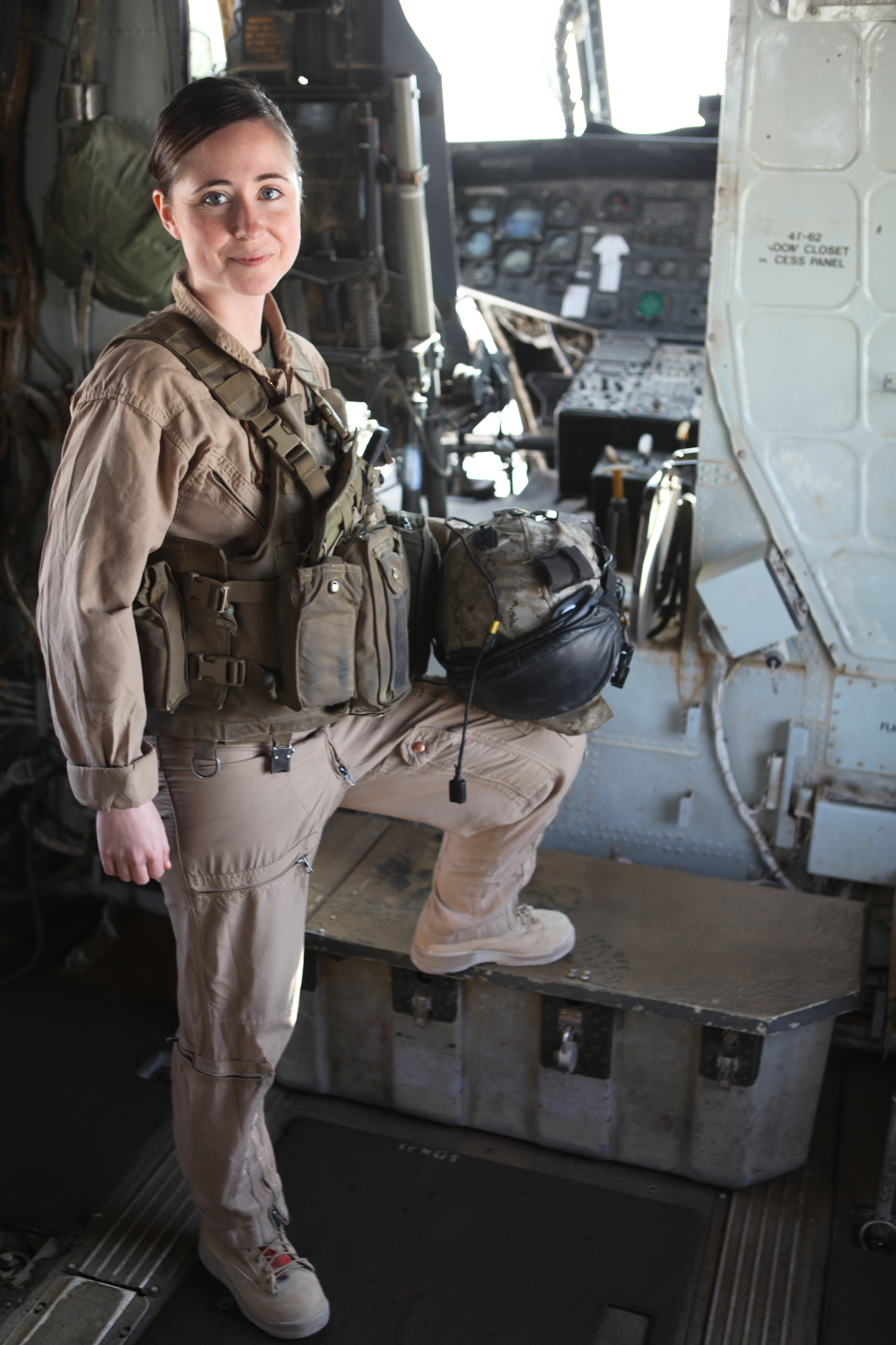 Naval Flight Surgeon Awarded For Afghan Service  3Rd Marine Aircraft Wing  News -7774
