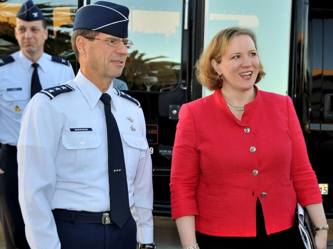 Lt. Gen. Tom Sheridan, Space and Missile Systems Center commander, escorts Ms. Erin Conaton, Under Secretary of the Air Force, during  her visit to SMC, Jan. 18 (Photo by Lou Hernandez)