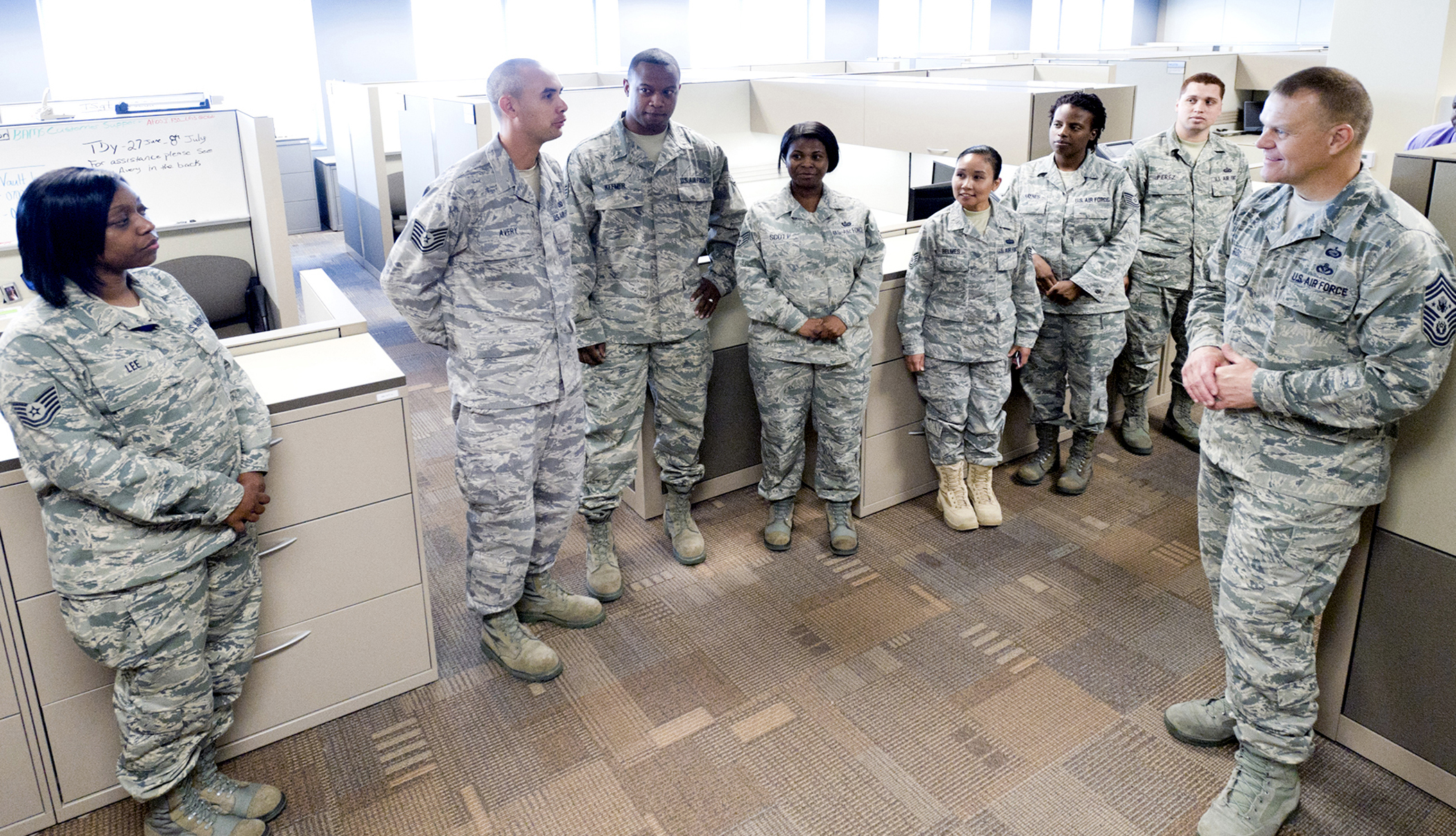 Chief master sergeant of the air force james a roy visits - Air force office of special investigation ...
