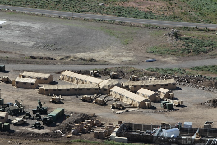 An aerial view of the Combat Operations Center for the command element of Operation Javelin Thrust.::r::::n::::r::::n::::r::::n::