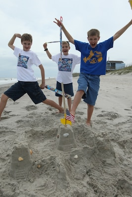 Library Hosts Sandcastle Building Completion At Onslow