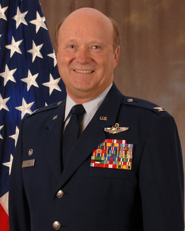 Official photo of Col Timothy Dearing (Air National Guard photo by Tech Sgt. Kendra Owenby)