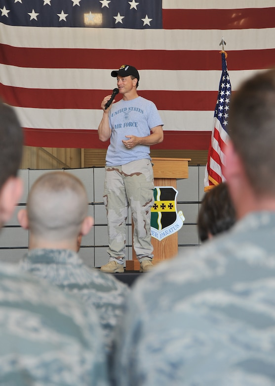 Gary Sinise addresses Airmen at Beale Air Force Base, Calif., June 8 during a talk to the troops after going for a high flight in the U-2 Dragon Lady to 70,000 feet. Mr. Sinise was visiting Beale to document the mission of the U-2 Dragon Lady and meet with Airmen to boost morale.