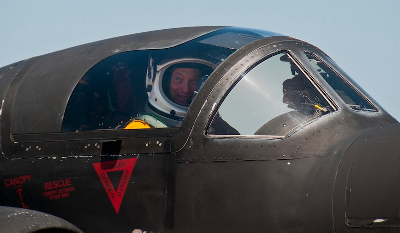 Gary Sinise looks out the passenger cockpit of a U-2 Dragon Lady after returning from a high flight at 70,000 feet from Beale Air Force Base, Calif., June 8. Mr. Sinise was visiting Beale to document the mission of the U-2 Dragon Lady and meet with Airmen to boost morale.