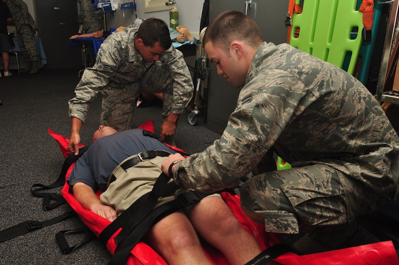 Employers enjoy visit to the 445th Airlift Wing > 445th ...