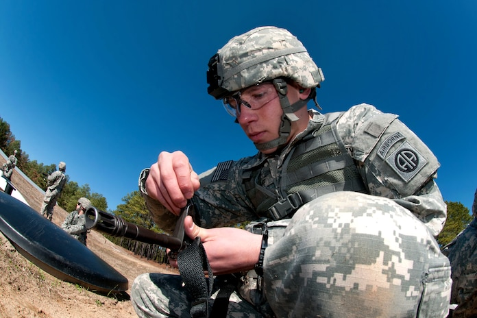 essays on military Submit your essay for analysis the idea of a woman serving in the army in full combat would seem ridiculous even a trained one in military boot.