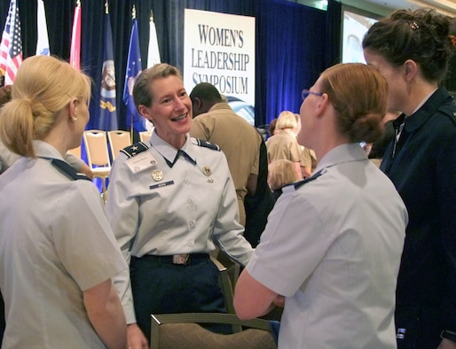 the contributions of women in the military Women have played a variety of military roles throughout history, although many historians overlooked those roles until recently other disciplines, such as anthropology and sociology, have.