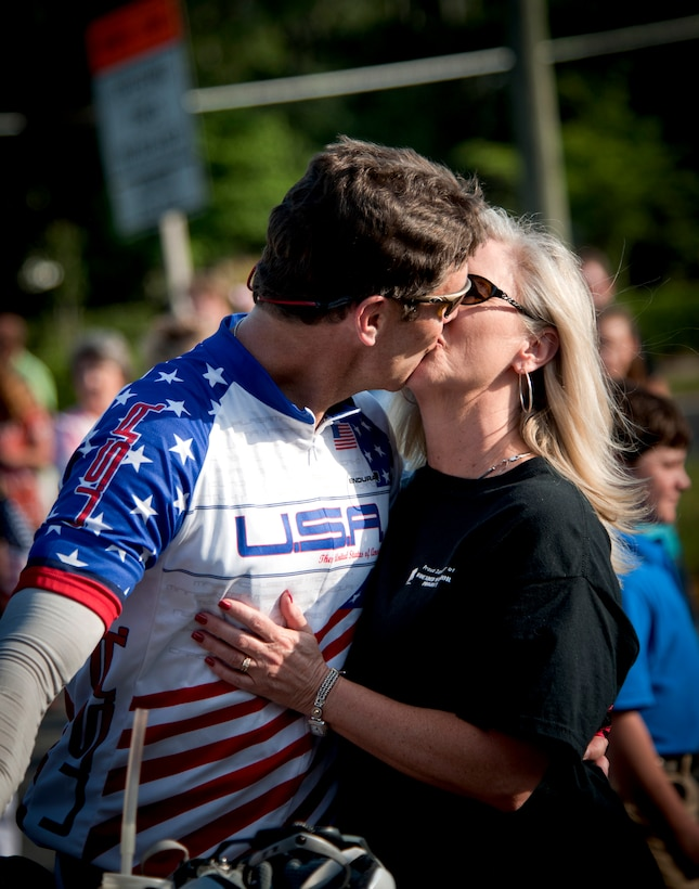 WAYCROSS, Ga. -- Jason Rogers, Air Force veteran, kisses his wife Linda Rogers May 2 shortly after arriving in Waycross, Ga. This is the first time in three weeks they have seen each other. (U.S. Air Force photo/Airman 1st Class Jarrod Grammel)(RELEASED)