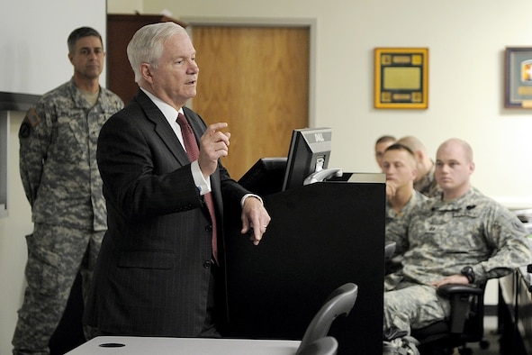 Defense Secretary Robert M. Gates speaks with students May 19, 2011, at Fort Leonard Wood, Mo. (Defense Department photo/Cherie Cullen)