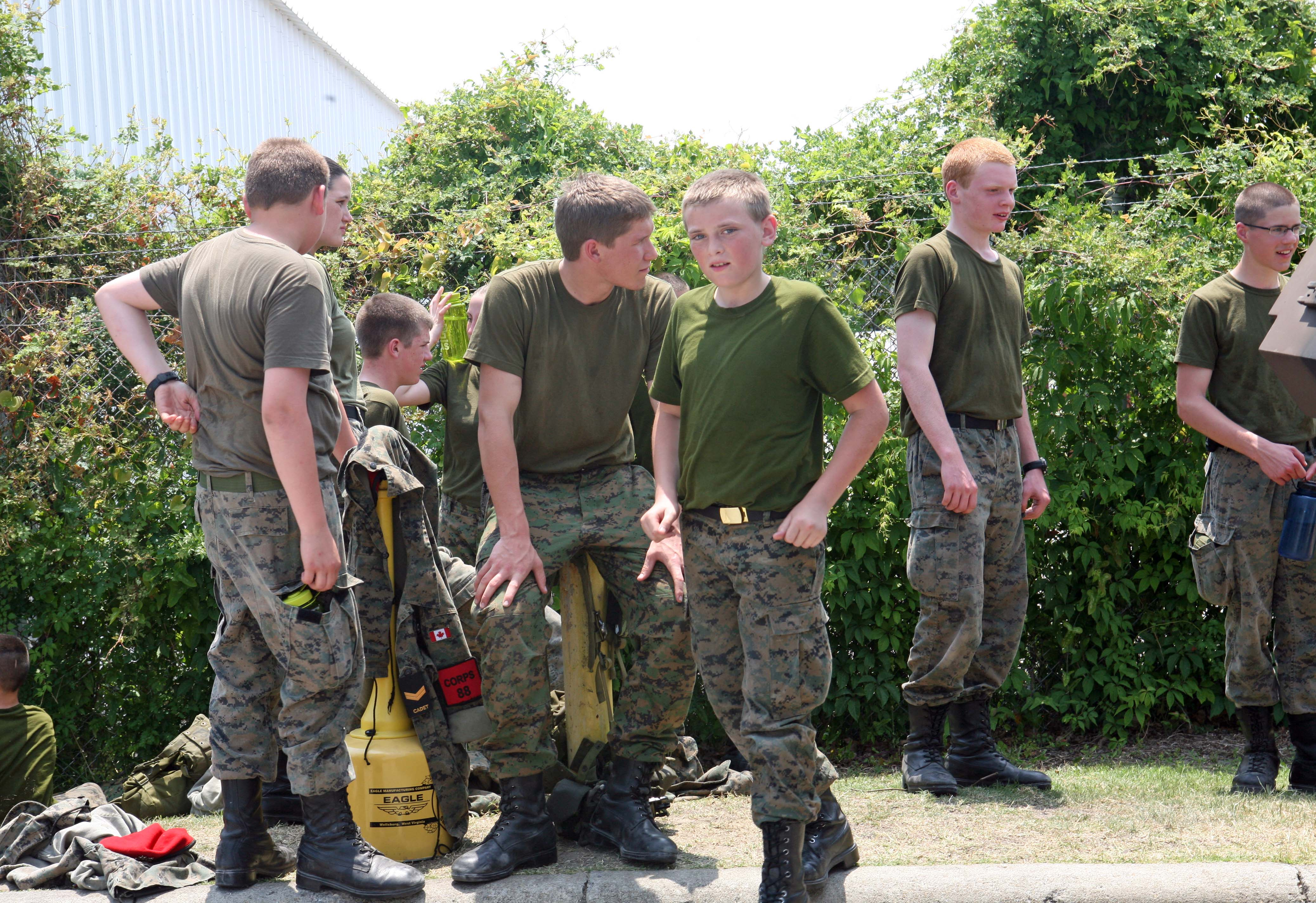 Royal Canadian Army Cadets and midshipmen tour Camp Lejeune > 2nd