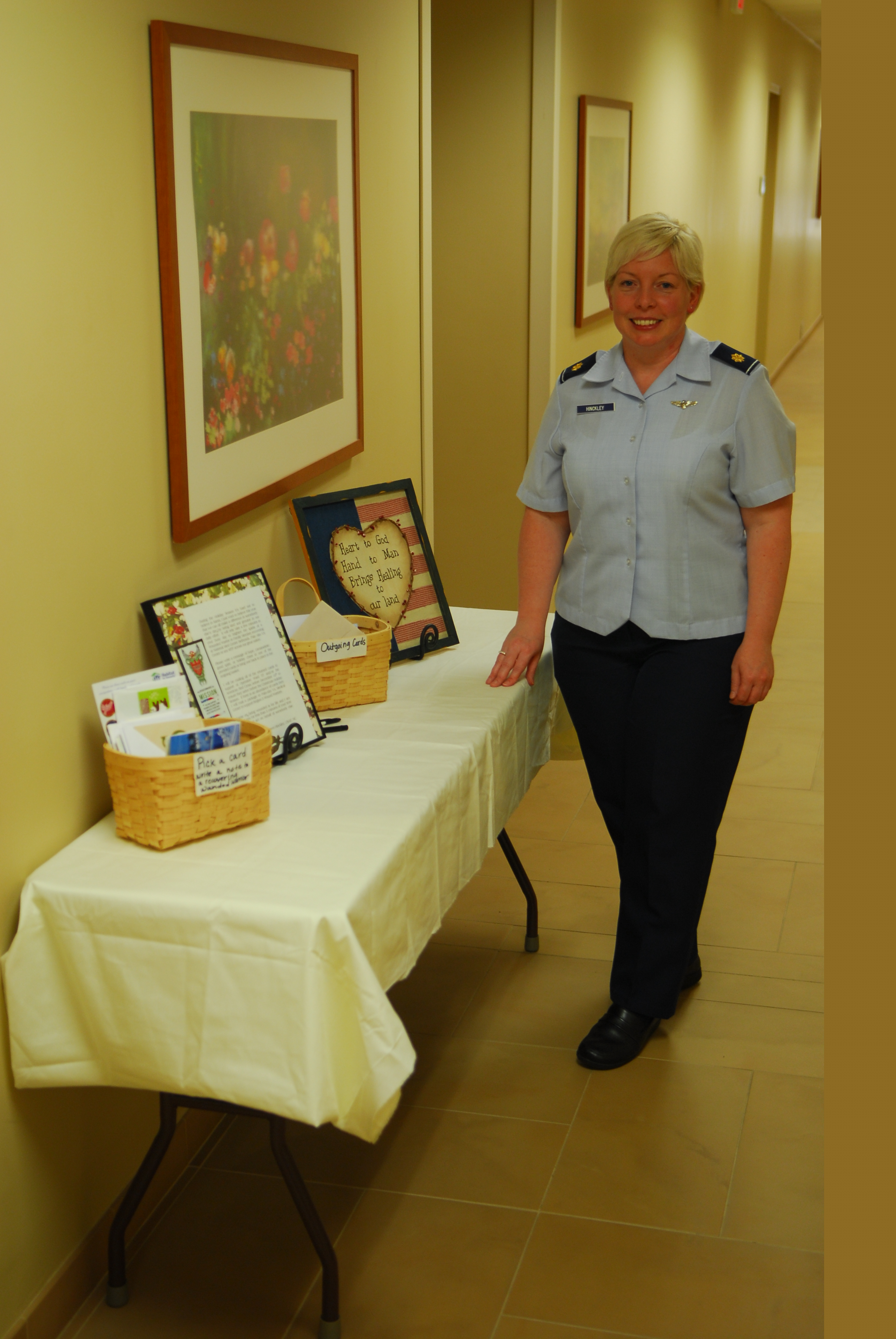 MDG collects holiday letters for \'wounded warriors\' > Air Force ...