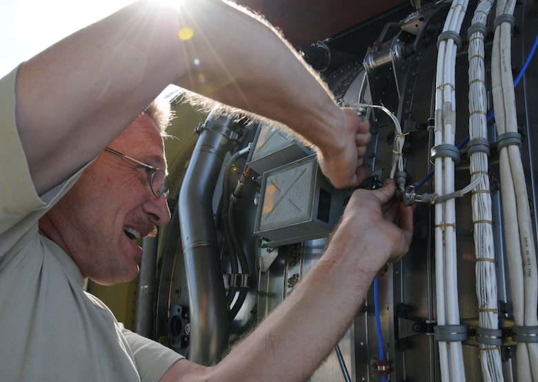 Aircraft Receives In-depth Inspection > 161st Air Refueling