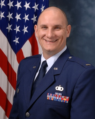 2nd Lt. Jason Cole was the honor graduate at the recently completed Undergraduate  Air Battle Management Training Course held at Tyndall AFB, Fla. Lt. Cole also received the Yukla 27 award, which is given to the student who exemplifies the concept of service before self.