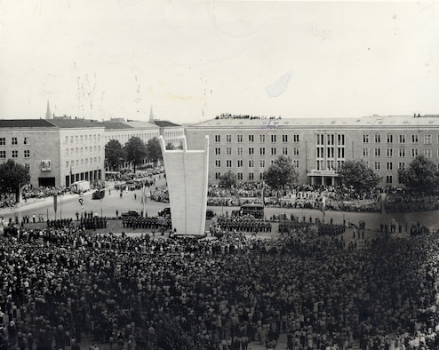 The dedication of the Berlin Airlift Memorial in the Lufbruke Platz during the fall of 1952. (U.S. Air Force photo)