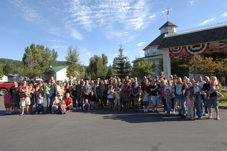 CASCADE, Idaho - Families of the 2011 Gunfighter Marriage Retreat pose for a photo Aug. 28. The participants spent three days in Cascade, ID at the Ashley Inn taking classes on ways to strengthen their marriages. (U.S. Air Force photo by Senior Airman Benjamin Sutton)