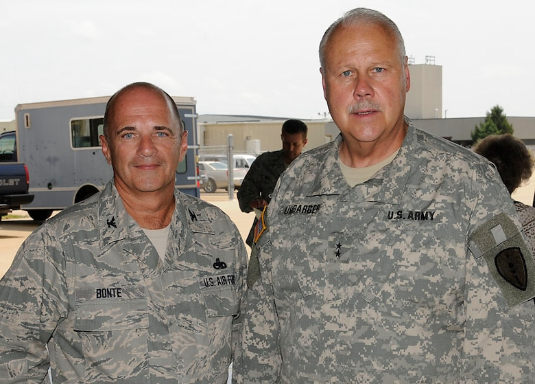 Col. Donald J. Bonte, Jr. and Maj. Gen. R. Martin Umbarger pose for a photo before the Change of Command ceremony starts. Photo by Master Sgt. John Day