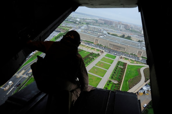 The Pentagon is visible from a V-22 Osprey carrying Secretary of Defense Leon Panetta Sept. 6, 2011. Panetta traveled to New York City to visit the 9/11 memorial site with Mayor Michael Bloomberg. (Defense Department photo/Tech. Sgt. Jacob N. Bailey)