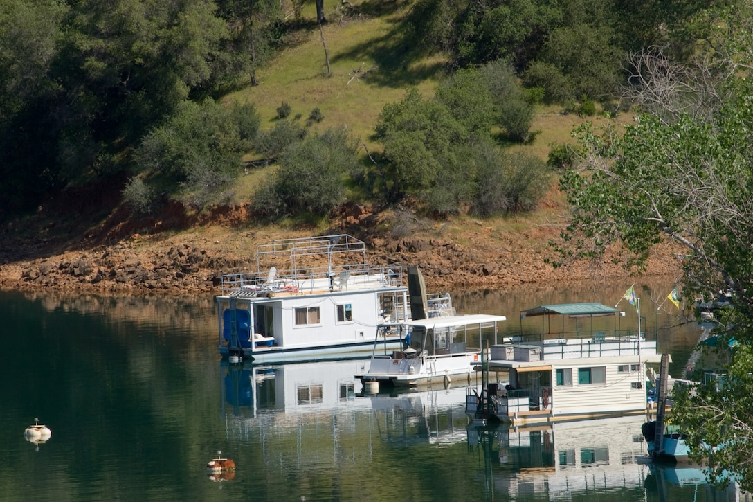 Boaters on Englebright Lake have many quiet spots to discover