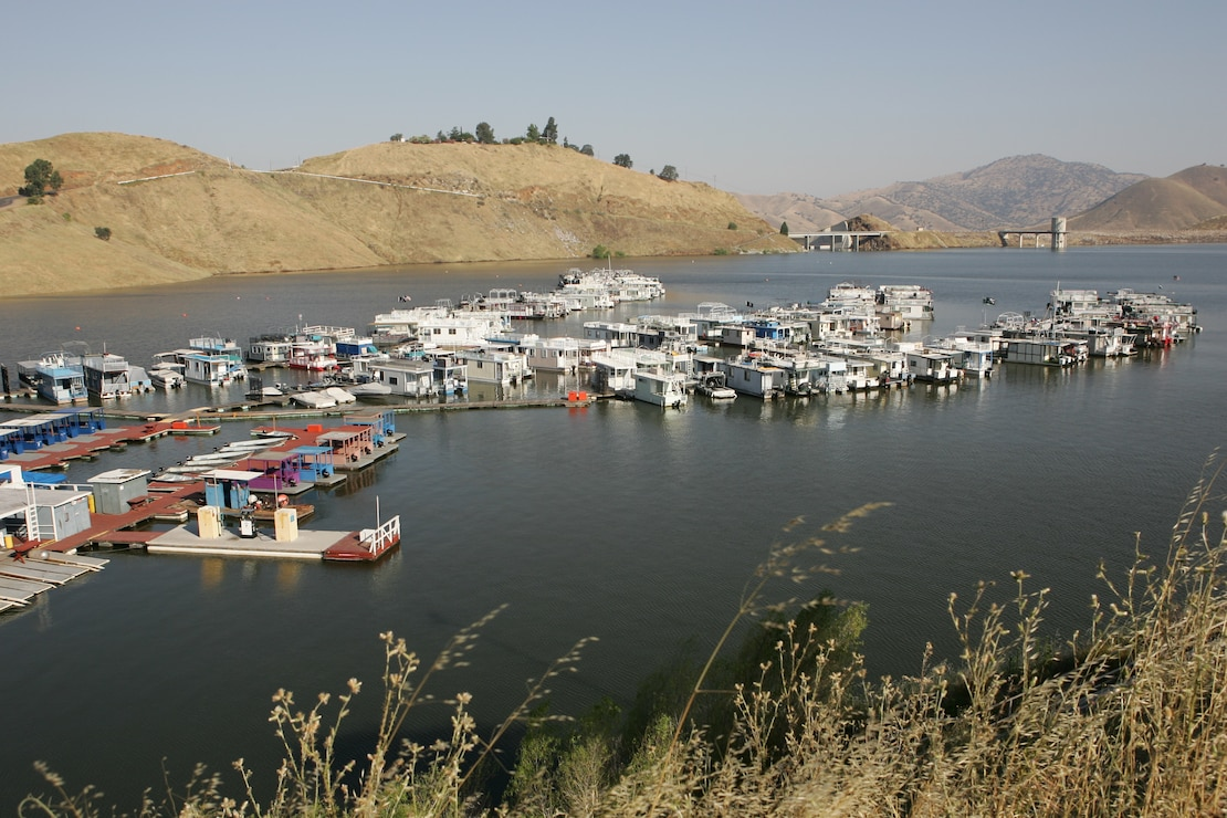 Houseboats on Lake Kaweah