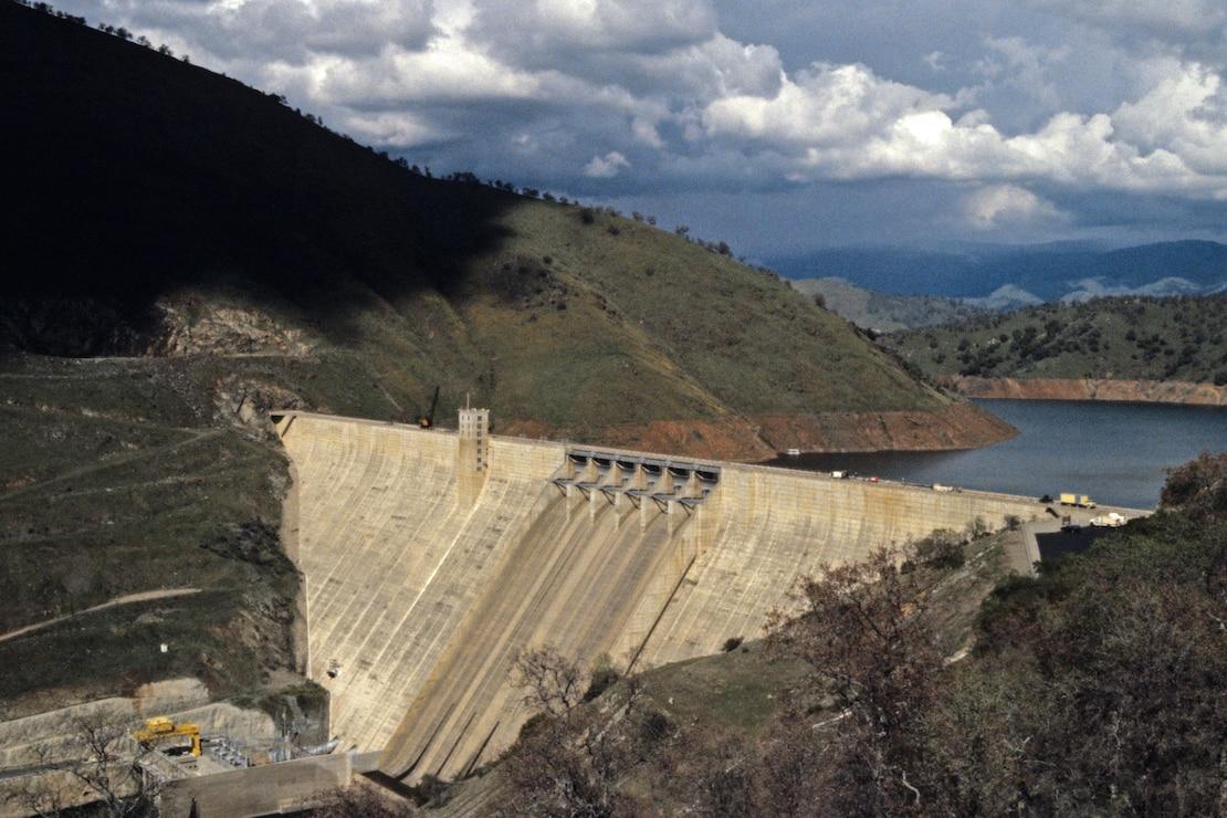 Pine Flat Dam