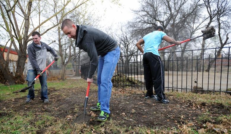 Zoo recovery underway as Airmen volunteer with clean-up > Minot Air