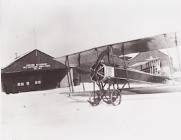 Gallaudet Tractor biplane rented by the Aviation Detachment, 1st Battalion, Signal Corps, New York National Guard, in 1915.