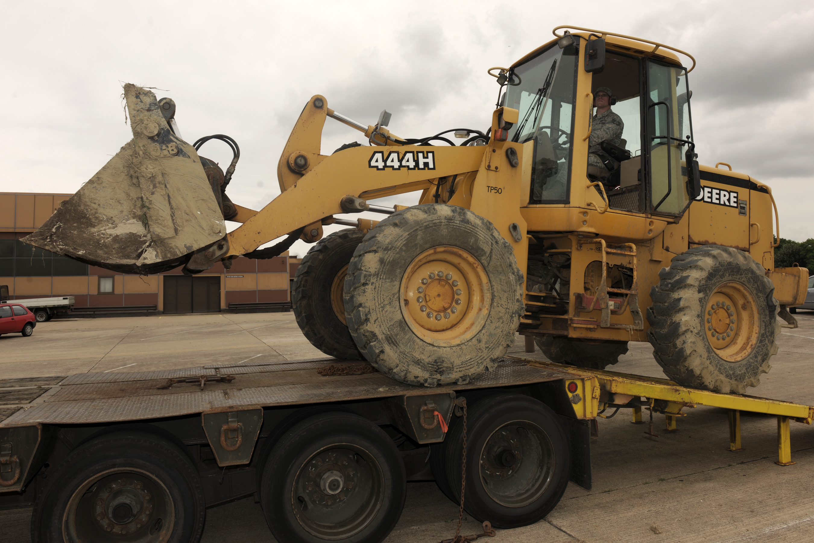 unloading a front end loader u003e 501st combat support wing u003e article