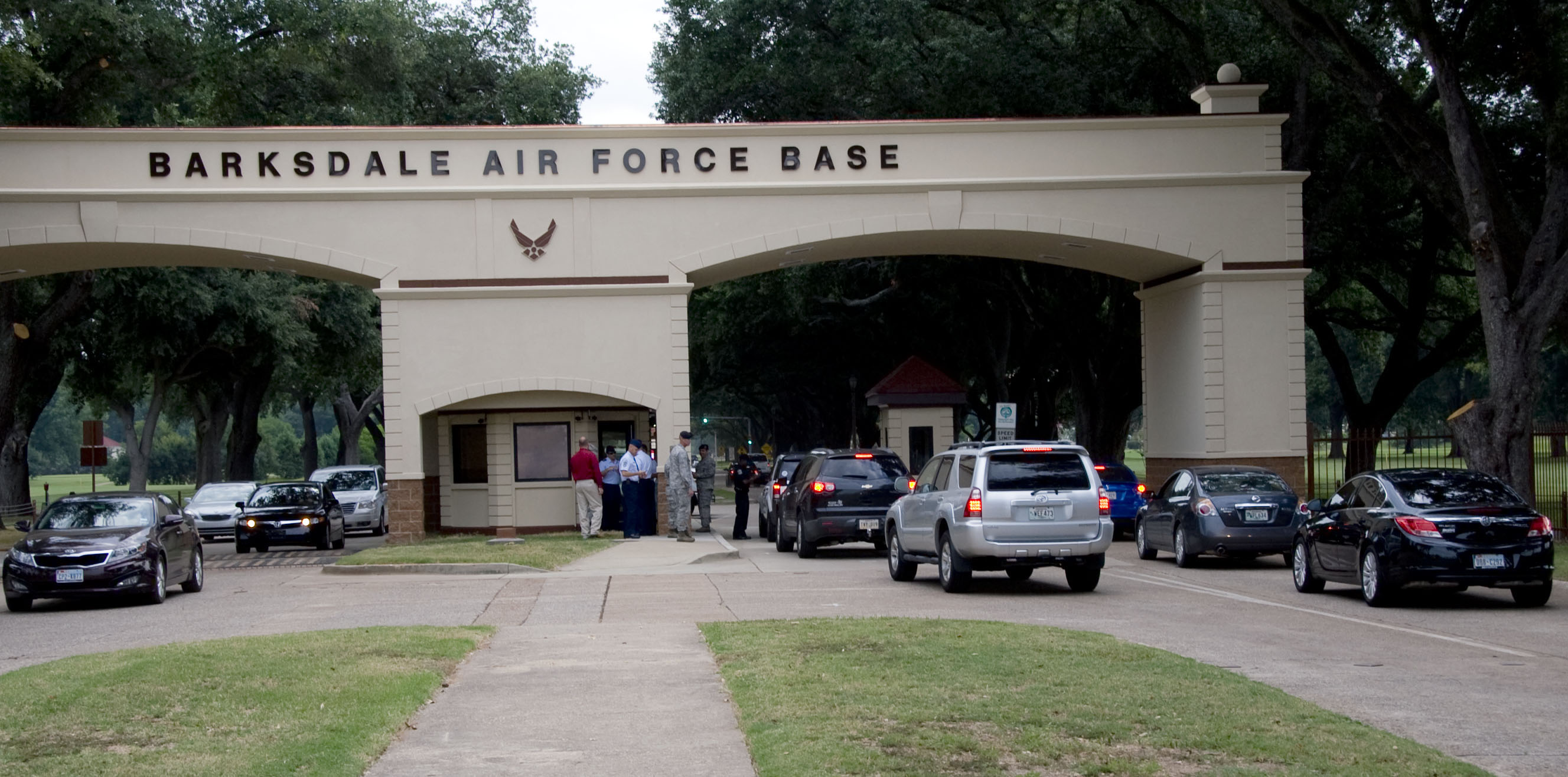 barksdale afb senior dating site The barksdale afb guide is an unofficial publication authorized by ar 360-81 editorial content is prepared, edited and provided by the public affairs office of barksdale afb all photos are provided by the public affairs office unless stated otherwise.