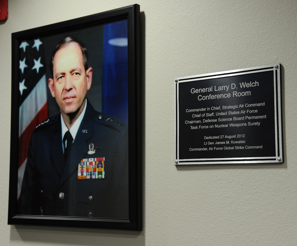 Air Force Global Strike Command dedicated a conference room in honor of Gen. (retired) Larry D. Welch on Barksdale Air Force Base, La., Aug. 27. (U.S. Air Force photo/Airman 1st Class Joseph A. Pagán Jr.)(RELEASED)