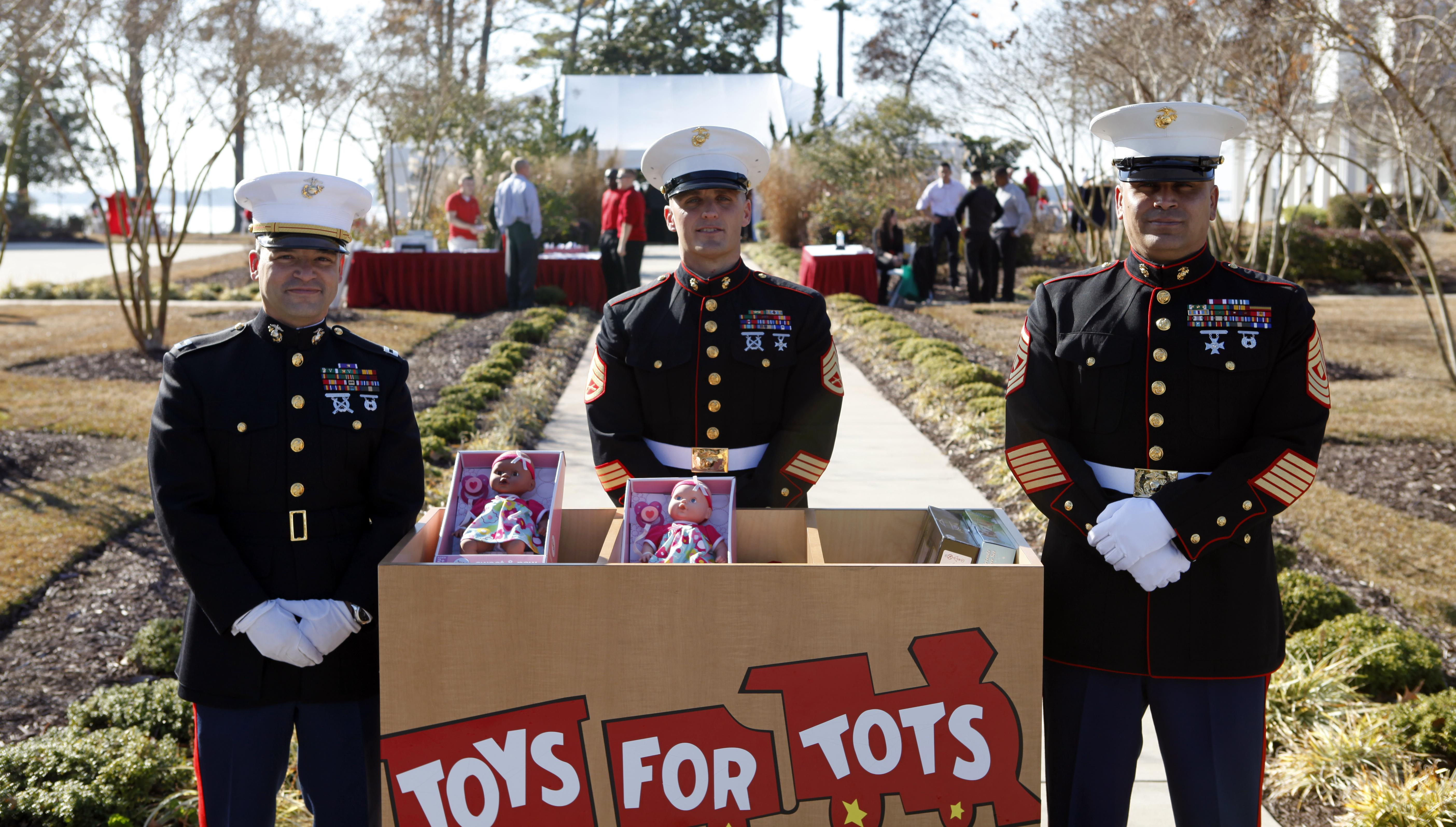 Toys For Tots Usmc : Camp lejeune photos