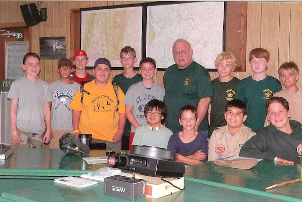 ERDC-TEC Meteorologist John Neander instructed Boy Scouts from Pennsylvania, Maryland, Virginia and Washington, D.C., in order for Scouts to earn their Weather Merit Badge. (Photo by Sandra E. Neander)