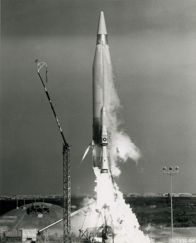 Liquid-fueled Atlas rocket lifts off. (U.S. Air Force photo)