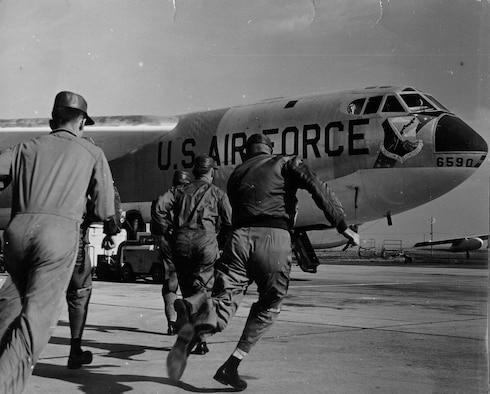 B-52 crews at Fairchild scramble during an alert in 1961. (Courtesy photo)