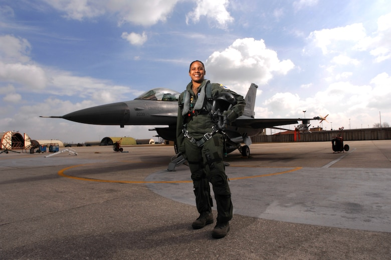 Maj. Shawna Kimbrell, first Air Force black female fighter pilot