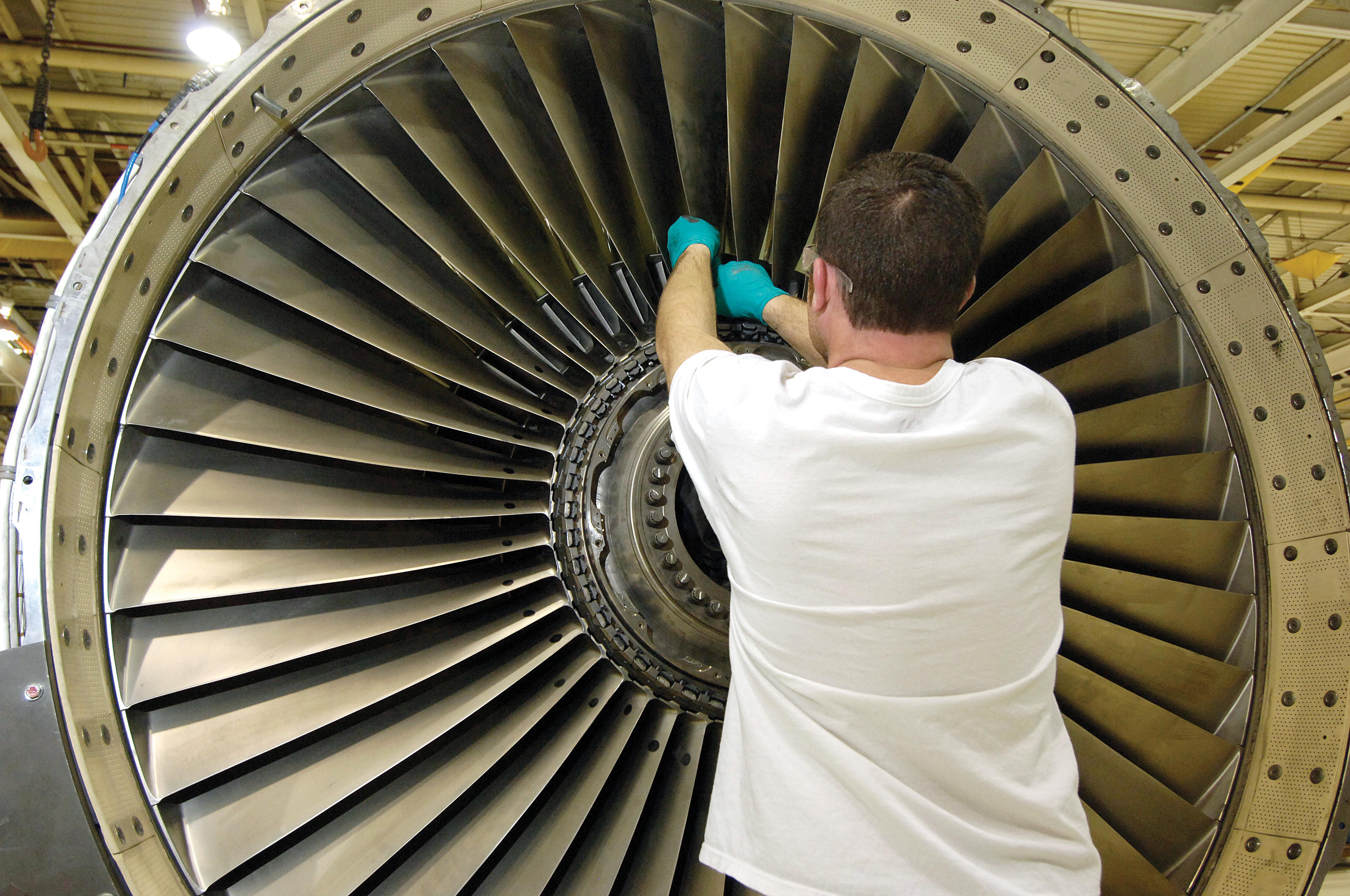 Jet Engine Fan Blades : New fan blade contract saves air force millions gt
