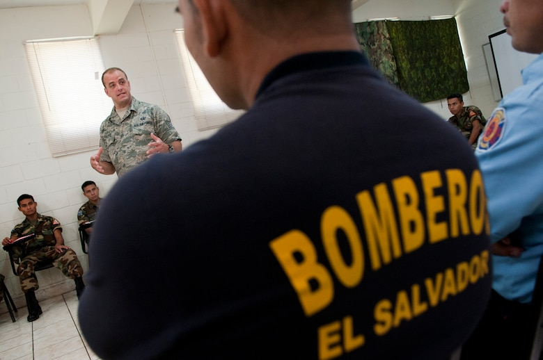 N.H. Air National Guard Tech. Sgt. Shawn Theberge offers his experiences as a first responder during a subject matter expert exchange with members of the Salvadoran Army and other local civil authorities June 27, 2012. Members of the 157th Medical Group are in El Salvador for the exchange as part of the New Hampshire and El Salvador state partnership program. (N.H. National Guard photo by Tech. Sgt. Mark Wyatt/RELEASED)