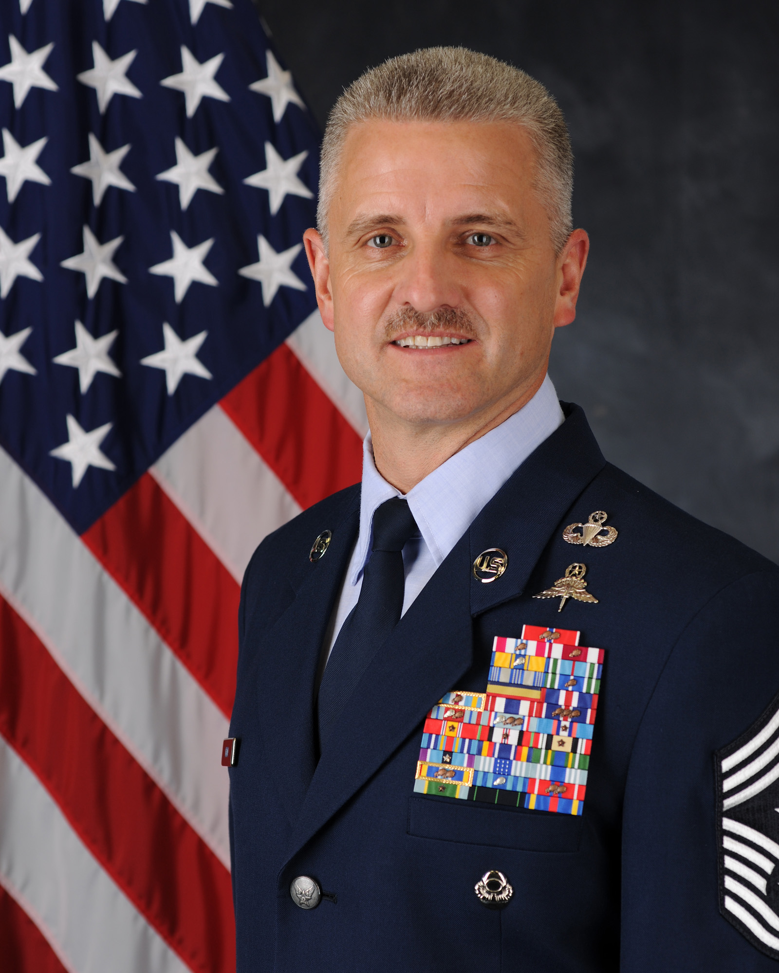 the responsibility of the chief master sergeants of the air force Jim finch hails from east hampton, new york and spent the vast majority of his adult life serving in the us air force he retired from active duty in 2002 after serving more than 28 years his final assignment was at the pentagon as the 13th chief master sergeant of the air force--the highest enlisted level of leadership.