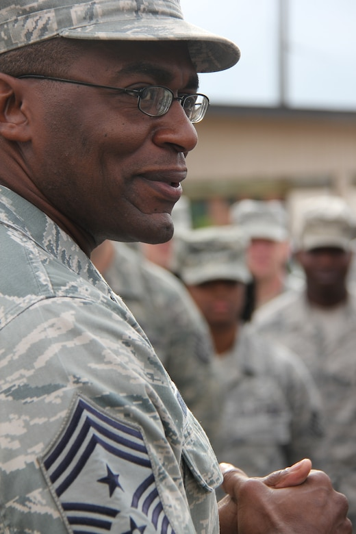 ROBINS AIR FORCE BASE, Ga. -- Chief Master Sergeant Alfred Herring, 24th Air Force command chief, discusses his role as an approachable leader to members of the 5th Combat Communications Group here July 12. Herring visited the Airmen of the 689th CCW to gain some first-hand experience of what Combat COMM brings to 24th Air Force. (U.S. Air Force photo by Robert Talenti)