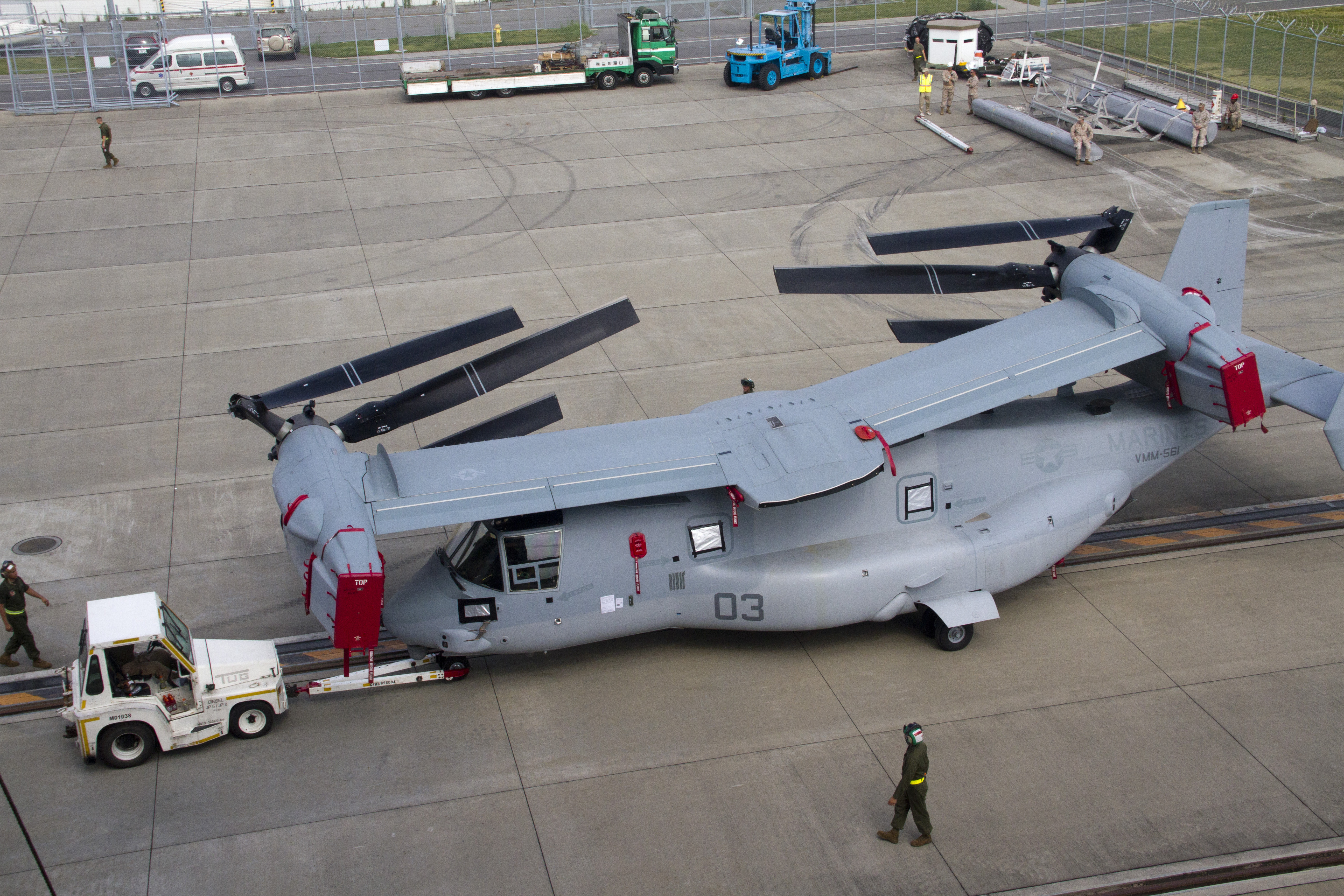 MV-22 Osprey all folded up for sea transport [5184x3456 ...