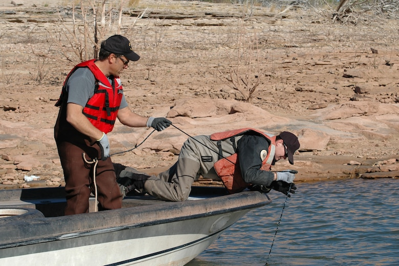 What do Santa Rosa Lake, the New Mexico Department of Game and Fish and the popular television show, Dirty Jobs, have in common?  The answer:  Fish Squeezing!