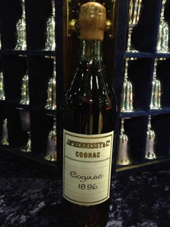 Replica of the bottle of the 1896 Hennessy Very Special cognac presented by