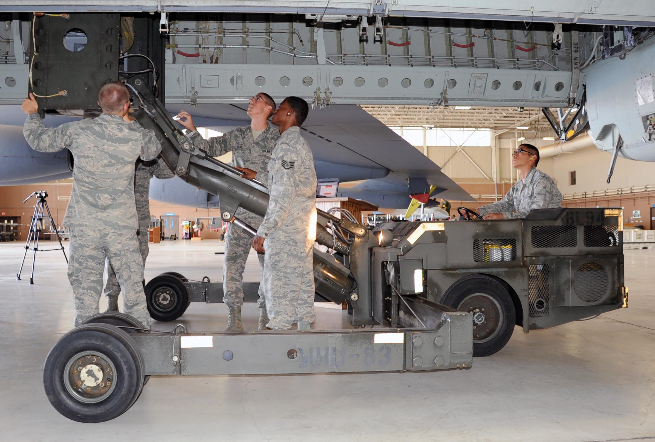 b aircraft armament systems apprentice course > sheppard air b 52 aircraft armament systems apprentice course