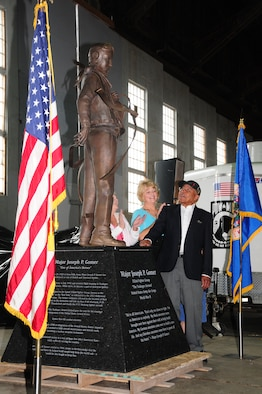 Maj. (Ret.) Joe Gomer, a Tuskegee Airman and Duluth native, looks at the