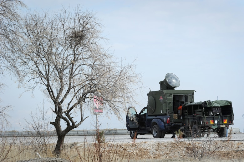KONYA, Turkey – A tactical radar threat generator is parked beside a highway during Anatolian Falcon 2012 in Konya, Turkey, March 8. Polygone team members operated the radar throughout the exercise to provide a simulated enemy ground threat capability to the participating aircraft. (U.S. Air Force photo/Staff Sgt. Benjamin Wilson)