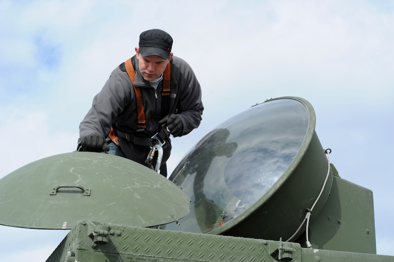 KONY, Turkey – Carl Gessman, Polygone radar operator, removes the cover from a tactical radar threat generator during Anatolian Falcon 2012 in Konya, Turkey, March 8. Polygone is a multinational aircrew electronic warfare tactics facility located in Europe and was used to simulate pop-up ground threats throughout the exercise. (U.S. Air Force photo/Staff Sgt. Benjamin Wilson)