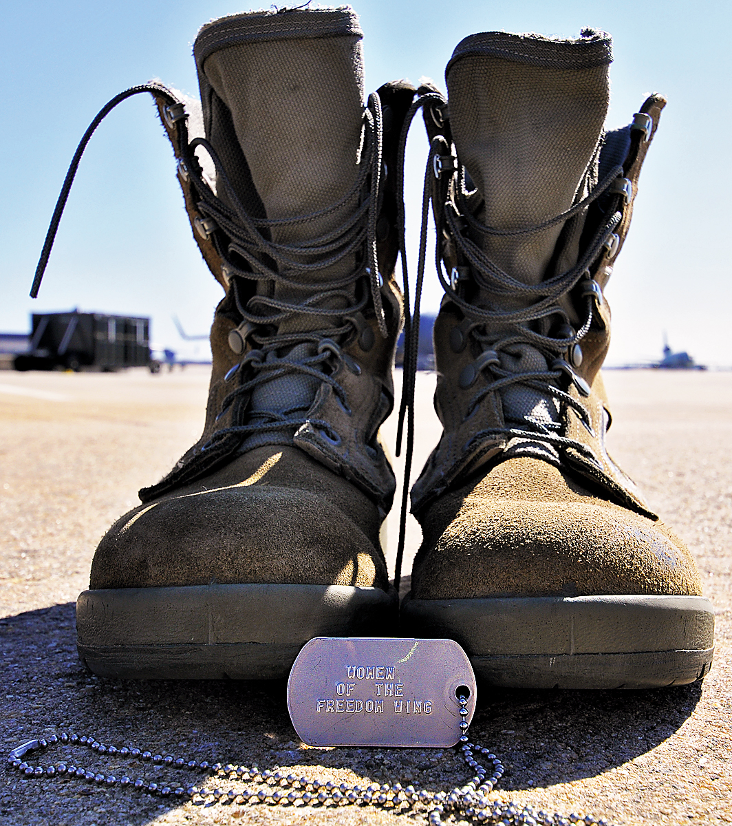 Your Momma Wears Combat Boots Gt U S Air Force Gt Display