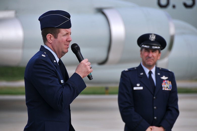 """Lt. Col. Leslie Summers (left), a chaplain assigned to the 126th Air Refueling Wing, makes remarks at a memorial service at Scott AFB, Ill., while Col. Pete Nezamis, Commander, 126th Air Refueling Wing, looks on. The ceremony commemorated the four Wing aircrew members who perished in an aircraft accident 30 years ago. Maj. William S. Dixon, Jr., Capt. Kenneth L. Herrick, Capt. Robert J. Nicosia and Master Sgt. Richard A. Crome were aboard a Illinois National Guard KC-135A """"Stratotanker"""" while on a routine training mission when their plane exploded near Greenwood, Ill., on March 19, 1982. In addition, 23 members of the 928th Tactical Airlift Group, Air Force Reserves, who were passengers also lost their lives. (National Guard photo by Master Sgt. Ken Stephens)"""