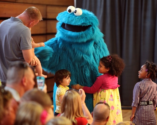 Sesame Street Live Performs for MCAS New River Families